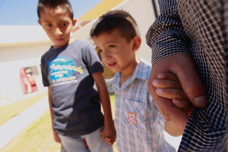 ΗΠΑ: Αναστέλλεται η άσκηση διώξεων μεταναστών που περνούν τα σύνορα με τα παιδιά