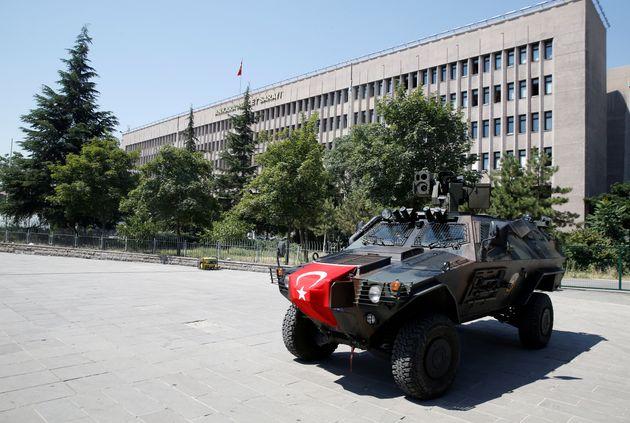 Νέο κύμα μαζικών συλλήψεων στην Τουρκία δύο μέρες μετά τις εκλογές. Δεν γίνεται άρση της κατάστασης εκτάκτου...