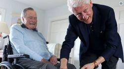 Ο Τζωρτζ Μπους με κάλτσες Κλίντον: Δύο πρώην πρόεδροι των ΗΠΑ κάνουν