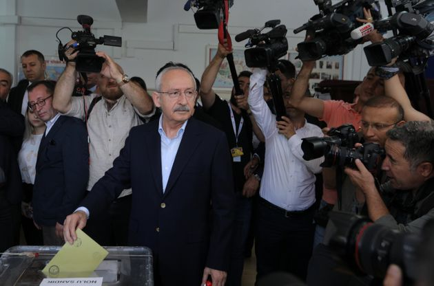 Ο Κιλιτσντάρογλου αρνείται να συγχαρεί τον «δικτάτορα»