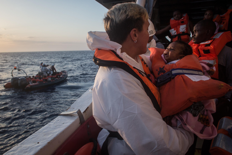 Στη Μάλτα αναμένεται να δέσει το «Lifeline». Έξι χώρες δηλώνουν πρόθυμες να δεχθούν τους 233