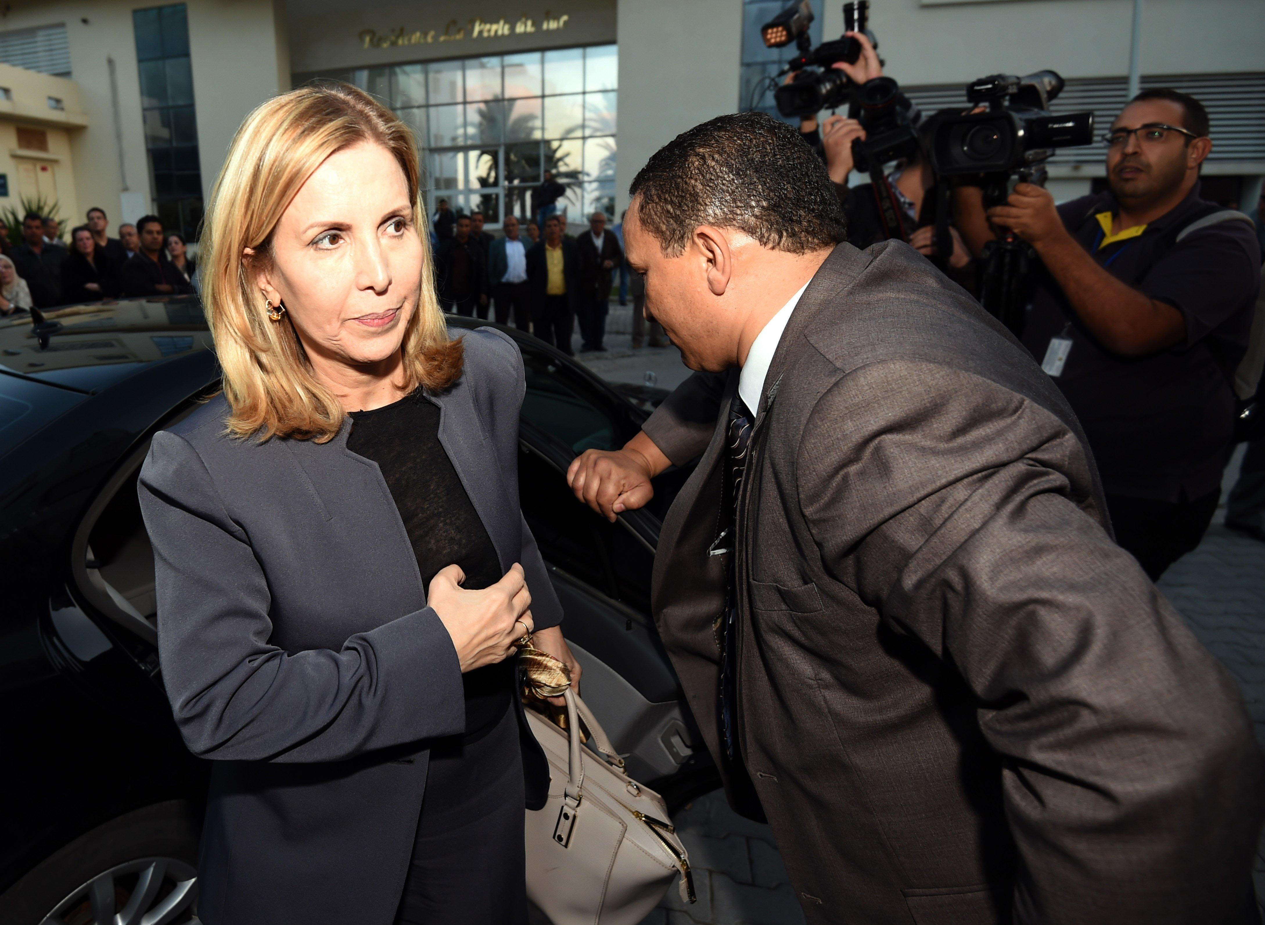 Rififi entre la ministre du Tourisme et un commandant de bord sur un vol