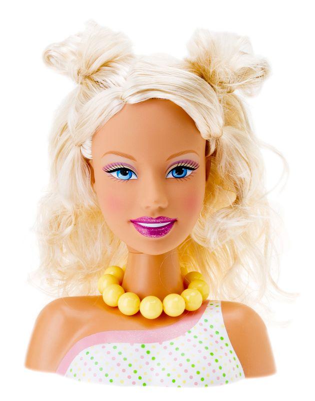 Η Barbie έχει νέο επάγγελμα. Η διάσημη κούκλα εργάζεται ως μηχανικός