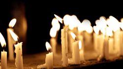 Lehrerin stirbt an Krebs – auf ihrer Beerdigung erfüllen 100 Kollegen ihr einen ungewöhnlichen