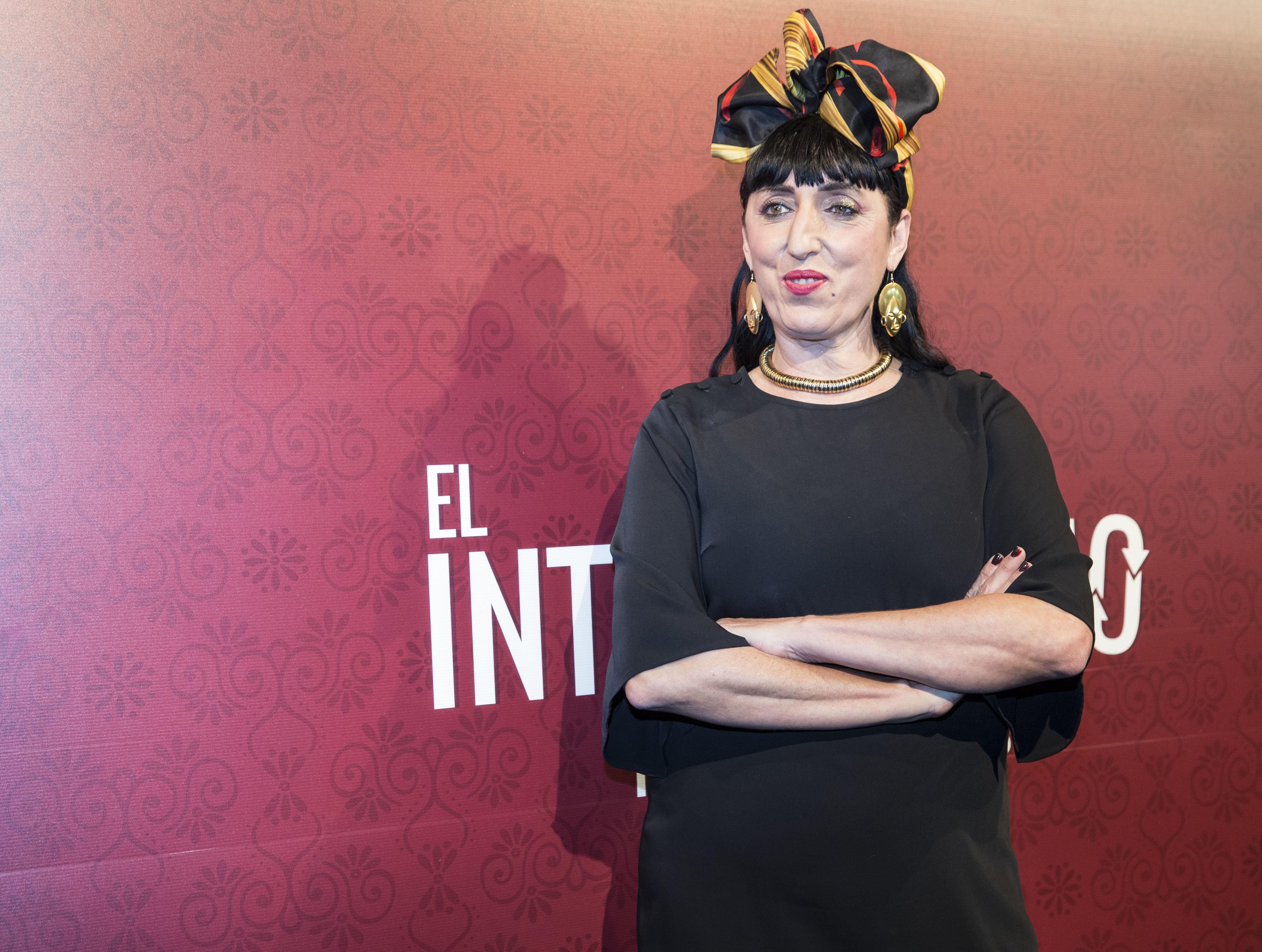 L'actrice espagnole Rossy De Palma, de passage à Hammamet, en fait la promotion sur les réseaux