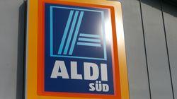 Frau beschwert sich über Kleideraktion in Aldi-Prospekt – und deckt damit dreiste Masche auf