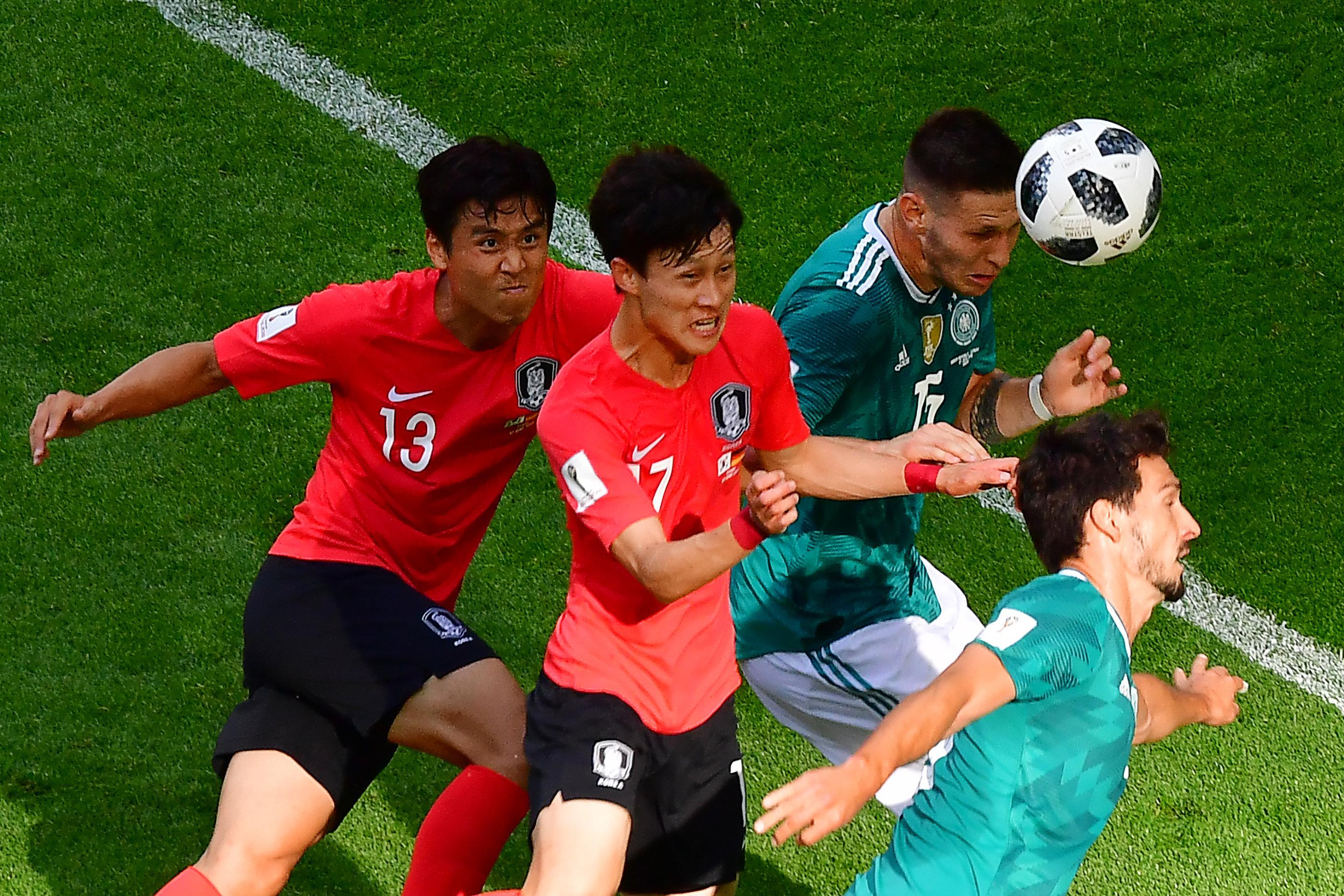 [화보] 한국-독일 전반전은 0-0으로 끝났다. 결정적 찬스가