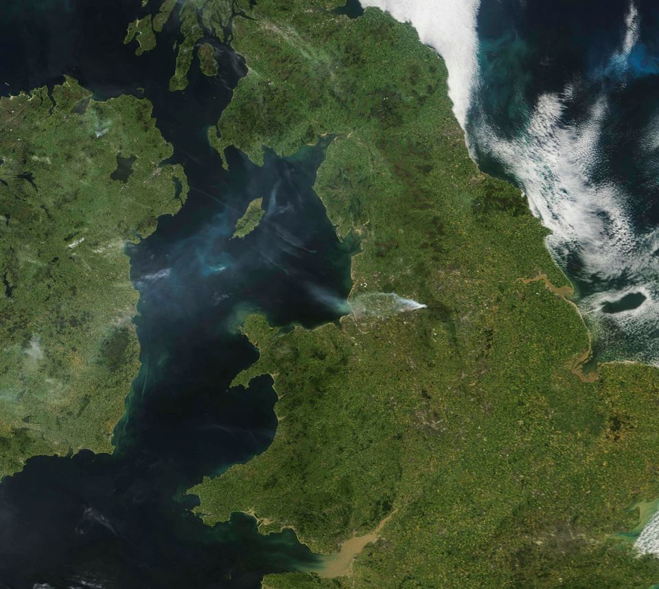 The University of Dundee's satellite observatory depicts large plumes of smoke from the Saddleworth
