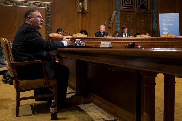 Επιτροπή της Γερουσίας στριμώχνει τον Πομπέο για τα F-35 και τους S-400 στην Τουρκία και την απομάκρυνση...