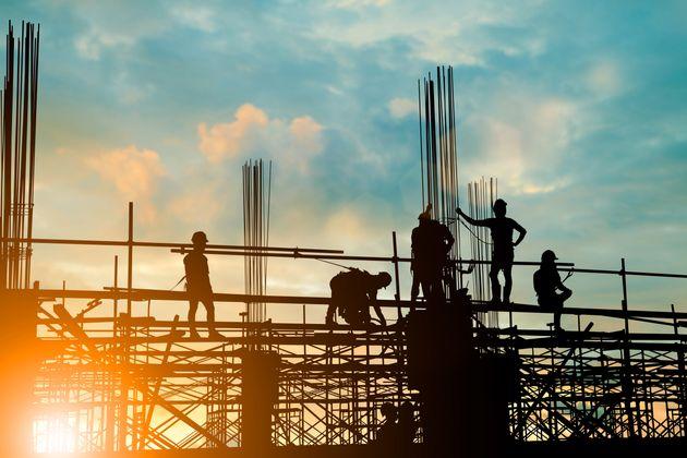 Σχέδια για «fast track» αδειοδότηση για τις στρατηγικές βιομηχανικές
