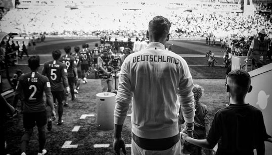 Wir haben das deutsche WM-Aus mit einem AfD-Politiker geschaut – ein Gespräch über Bayern, die CSU und Adolf