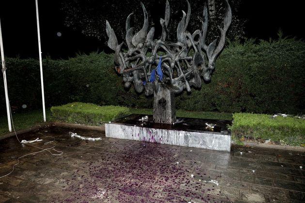 Τζανακόπουλος: Να καταδικάσει άμεσα η ΝΔ την βεβήλωση του μνημείου του Ολοκαυτώματος στη