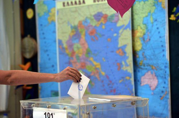 Οι ψηφοφόροι - δυνάστες για ΠΑΣΟΚ και