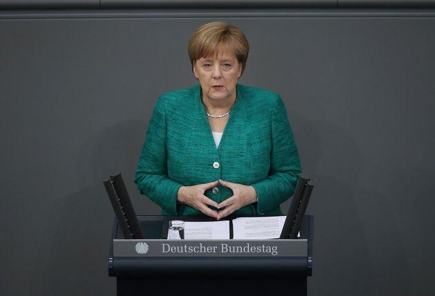 Μέρκελ: Το ελληνικό πρόγραμμα ήταν μεγάλη πρόκληση, αλλά το ευρώ είναι