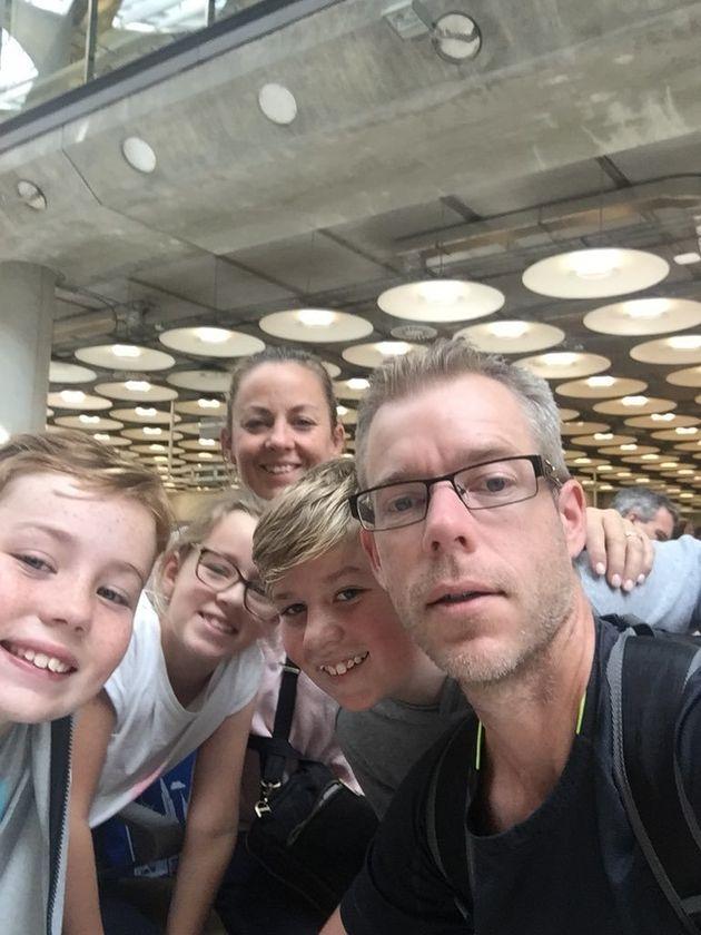 Shane Jackson con su esposa Fiona y sus hijos Ben (13), Will (11) y Sophie