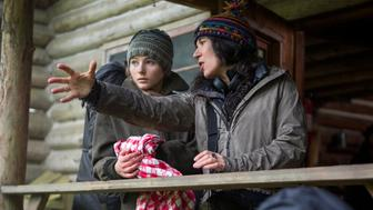 (l to r.) Thomasin Harcourt McKenzie and director Debra Granik on the set of LEAVE NO TRACE, a Bleecker Street release.