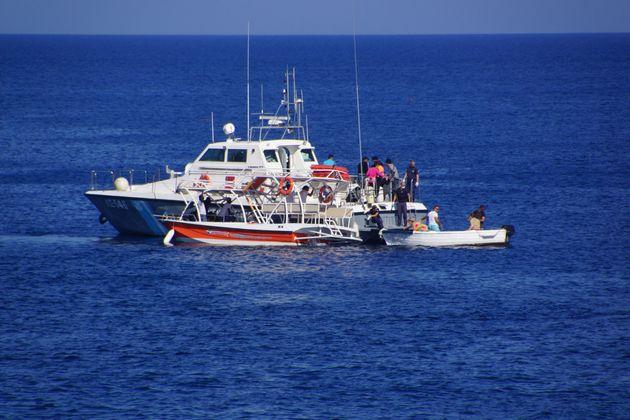 Στο Πόρτο Κάγιο μεταφέρθηκαν οι 47 μετανάστες και πρόσφυγες που εντοπίστηκαν σε ιστιοπλοϊκό ανοιχτά του...