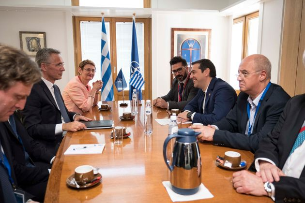 Τη συμφωνία με την πΓΔΜ και το ζήτημα των δύο Ελλήνων στρατιωτικών συζήτησαν Τσίπρας -