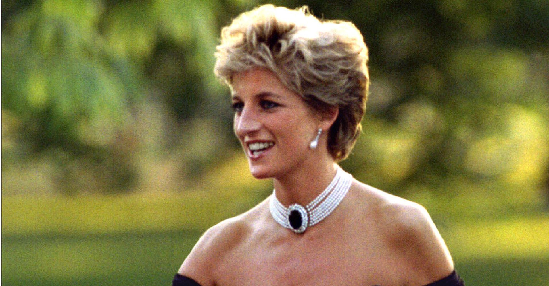 310fe2fb781a9e The Day Princess Diana And Her 'Revenge Dress' Shocked The World | HuffPost  Life