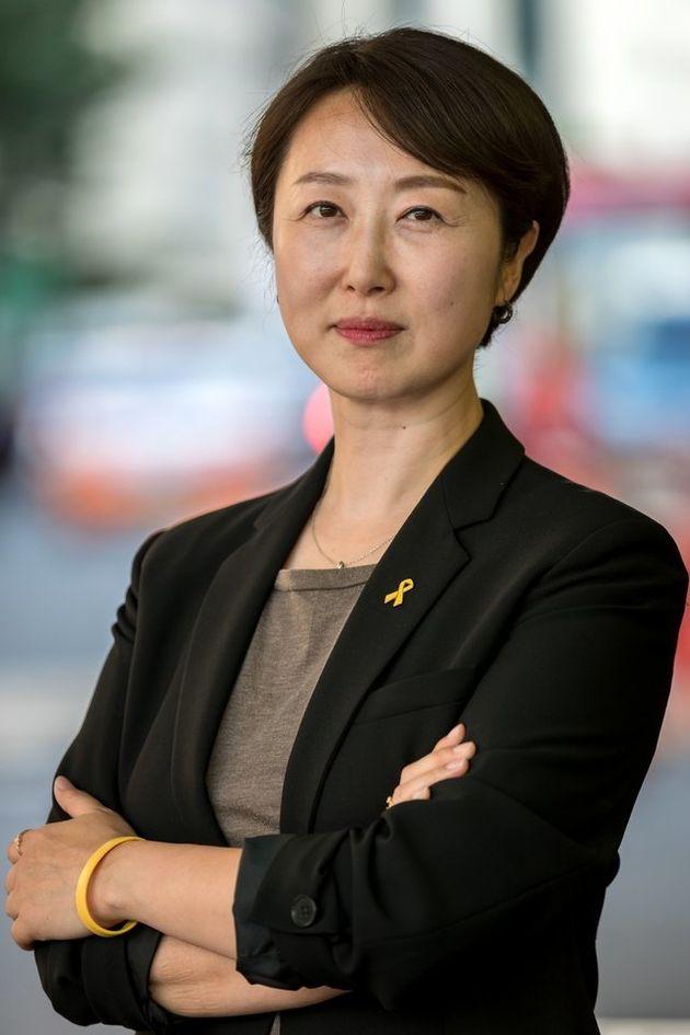 24년차 승무원이었던 권수정 의원이 전한 '여자·남자 승무원의 복장 차이'