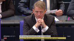 """""""Abtreiben macht frei"""": AfD-Politiker mit geschmacklosem Flyer im Bundestag sorgt für"""