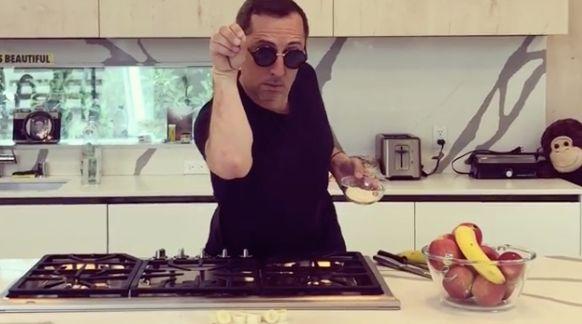 Gad Elmaleh se lance dans une imitation vegan de Salt