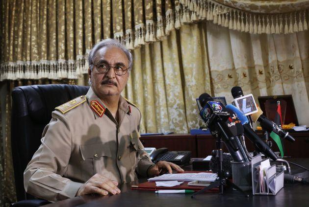 «Όχι» του στρατάρχη Χάφταρ στην παρουσία ξένων στρατευμάτων στη Λιβύη με πρόσχημα την παράνομη