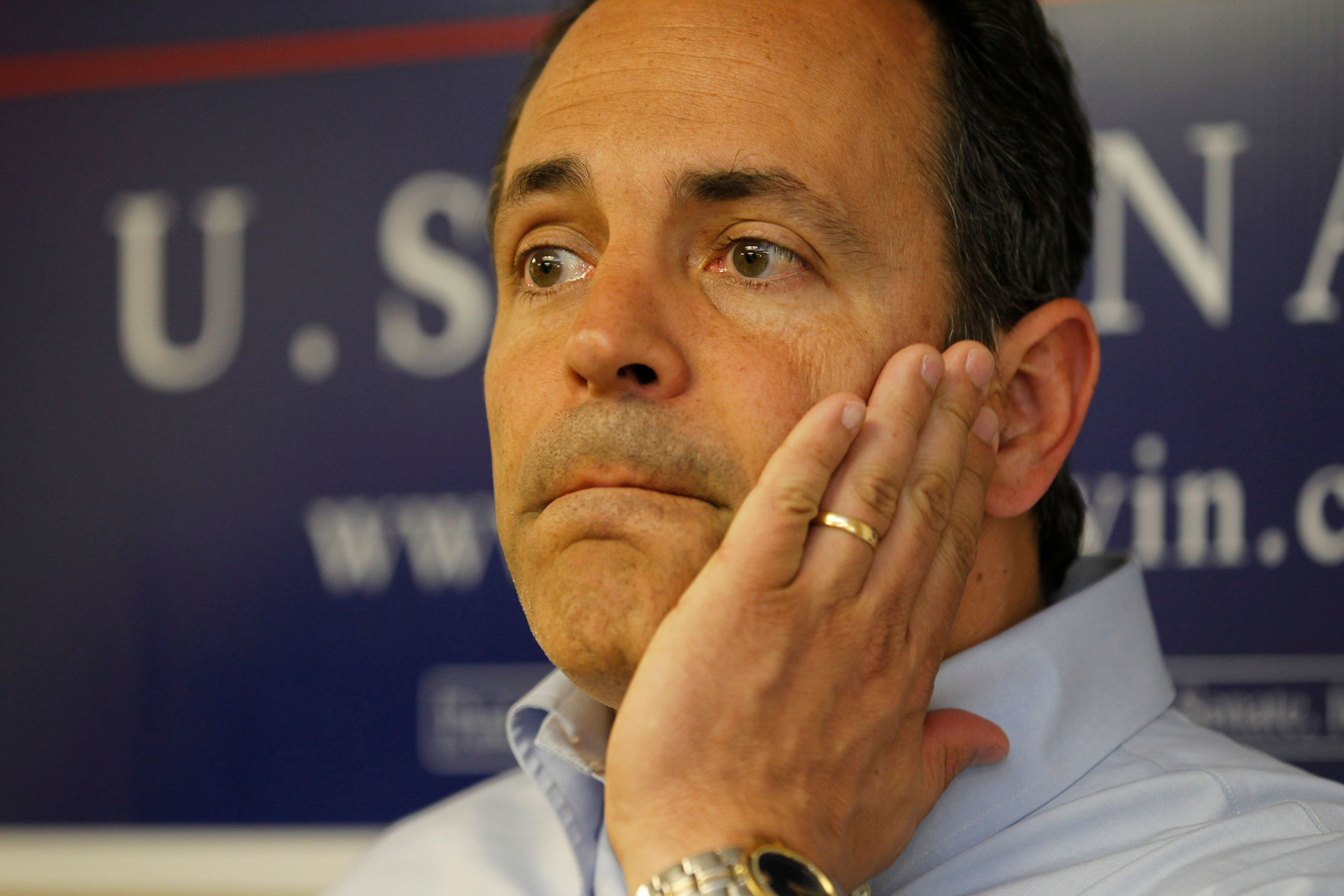 Kentucky Republican senatorial candidate Matt Bevin talks with his campaign supporters at his campaign headquarters in Louisville, Kentucky, May 19, 2014. Bevin had a full day of campaigning scheduled before tomorrow's Republican primary against Senate Minority Leader Mitch McConnell.    REUTERS/John Sommers II  (UNITED STATES - Tags: POLITICS)