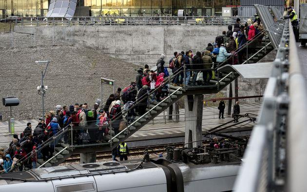 Σουηδία: Επεκτείνονται οι έλεγχοι διαβατηρίων στα σύνορα, καθώς η συνοριοφυλακή κάνει λόγο περί νέας