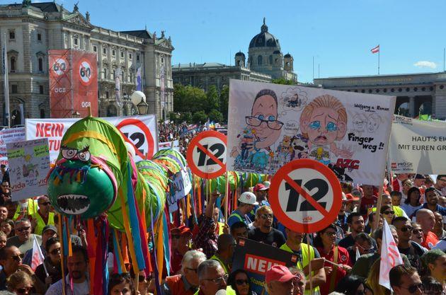 Αυστρία: Δεκάδες χιλιάδες διαδήλωσαν ενάντια στο 12ωρο που θέλει να θεσπίσει η κυβέρνηση