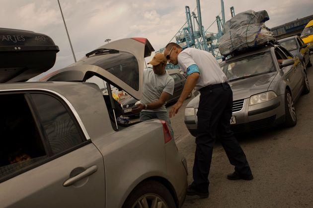 Près d'un million de dirhams de smartphones et de bijoux saisi à Bab