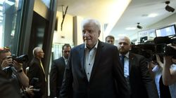 Chaostag in München: Seehofer will von allen Ämtern zurücktreten