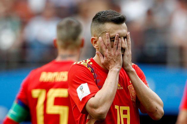 2018. 7. 1. 스페인의 호르디 알바가 러시아와의 16강 경기 중 아쉬워하고