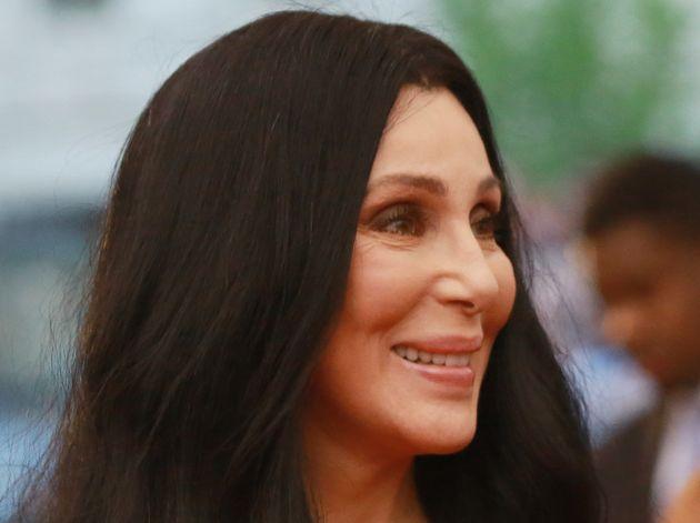 Η μεγάλη επιστροφή της Cher. Η ανακοίνωση του επερχόμενου album στο Twitter και οι αντιδράσεις των