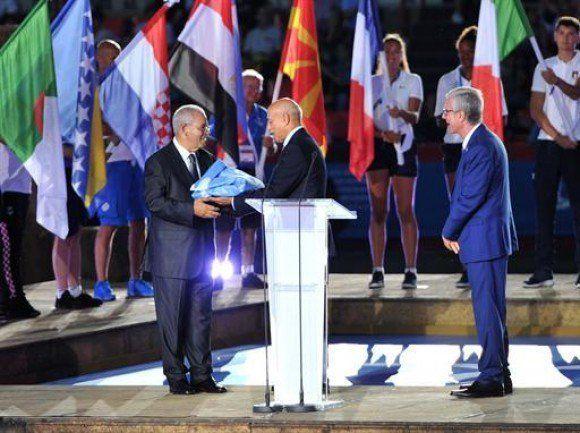 JM-2018: Tarragone remet le drapeau des prochains jeux à la ville