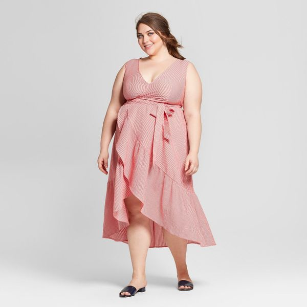 <strong>Sizes</strong>: X to 4X <br><i><strong>Note</strong>: Target doesn't have a specific line of plus-size maternity