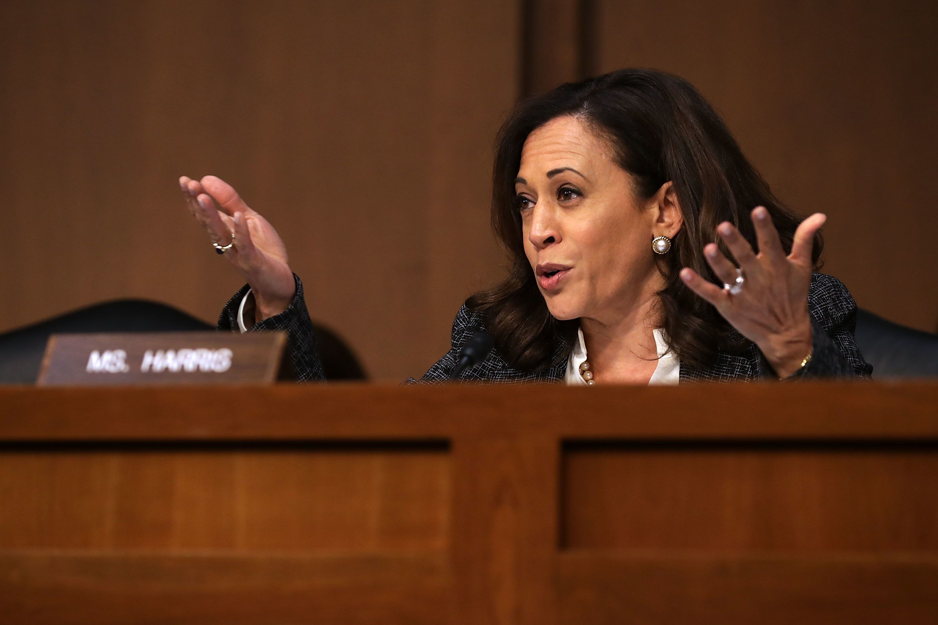 WASHINGTON, DC - JUNE 08:  Sen. Kamala Harris (D-CA) questions former FBI Director James Comey during a hearing of the Senate Intelligence Committee in the Hart Senate Office Building on Capitol Hill June 8, 2017 in Washington, DC. Comey said that President Donald Trump pressured him to drop the FBI's investigation into former National Security Advisor Michael Flynn and demanded Comey's loyalty during the one-on-one meetings he had with president.  (Photo by Chip Somodevilla/Getty Images)