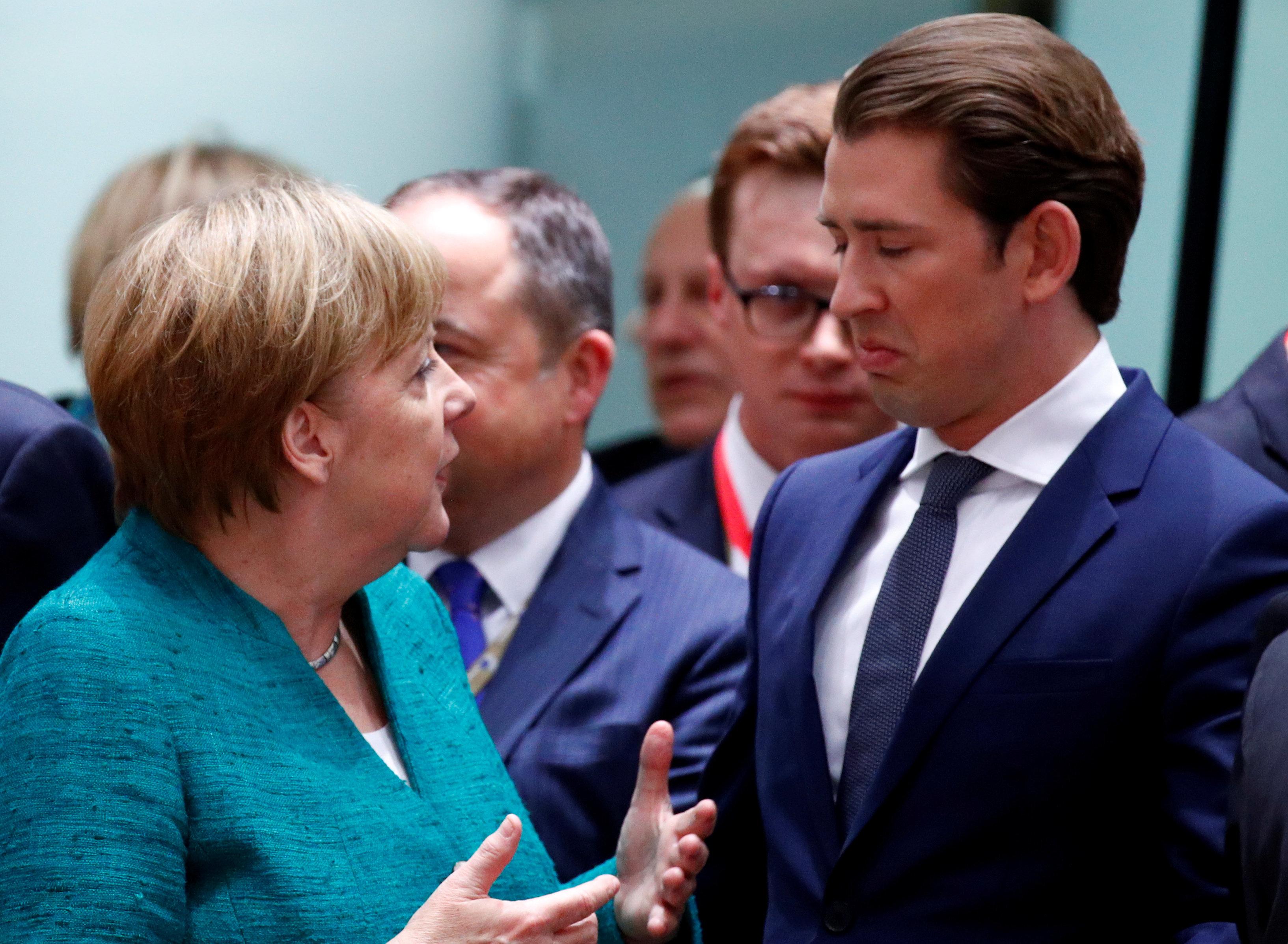 «Έτοιμη να προστατεύσει τα σύνορά της» δηλώνει η αυστριακή