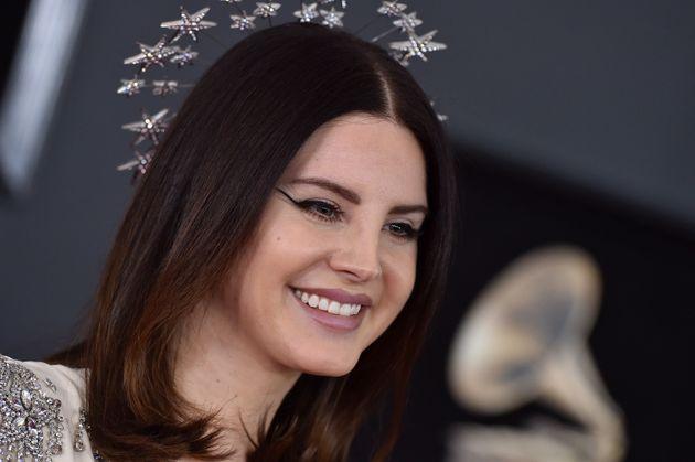 Η Lana del Rey αναβιώνει ένα demo τραγούδι του Elvis Presley για το νέο ντοκιμαντέρ για τον «βασιλιά»...