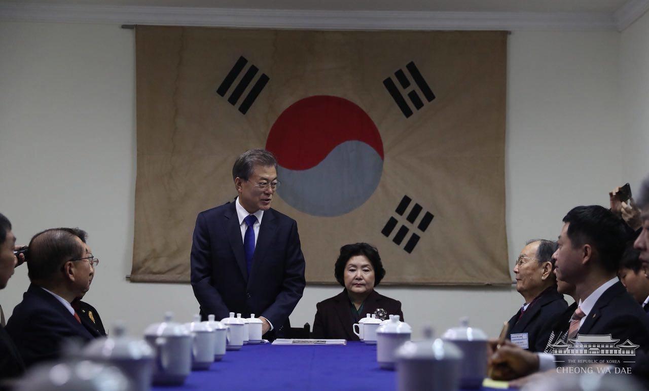문대통령이 보수세력의 '1948년 건국절' 주장에 쐐기 박는 발언을