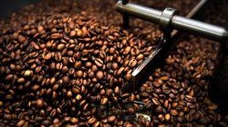 매일 커피를 마시면 장수할 가능성이 높다는 연구가