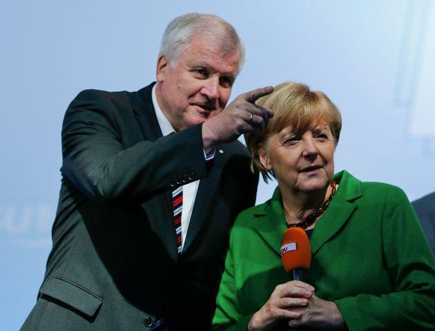 Κέρδη και απώλειες από τον συμβιβασμό Μέρκελ και Ζεεχόφερ για την επιβίωση της κυβερνητικής συμμαχίας,...