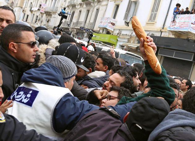 Tunisie - Royaume-Uni: Manipulation de l'opinion publique, ingérence étrangère... les révélations du...