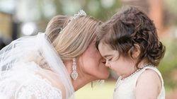 3χρονο κοριτσάκι νικά τον καρκίνο και γίνεται παρανυφάκι στον γάμο της δότριας μυελού των