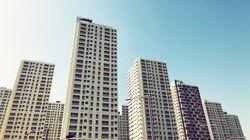 미궁 속으로 빠지고 있는 '아내의 아파트 12층 추락