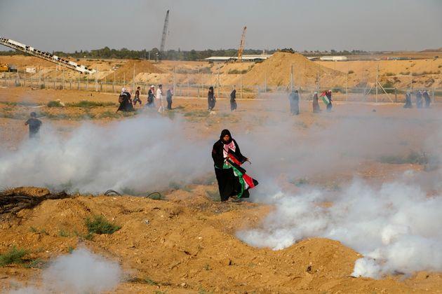 Χιλιάδες γυναίκες σε διαδήλωση στη Λωρίδα της Γάζας. 17 τραυματισμοί ο