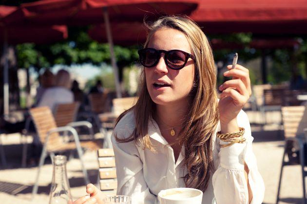 Και το Παρίσι δοκιμάζει να απαγορεύσει το κάπνισμα στα