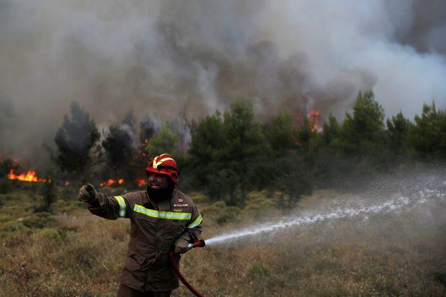 Μεγάλη πυρκαγιά στα Χανιά. Ισχυροί άνεμοι στην