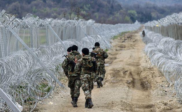 Για «μακεδονικό στρατό» μίλησε ο Ζάεφ. Tι απαντά το