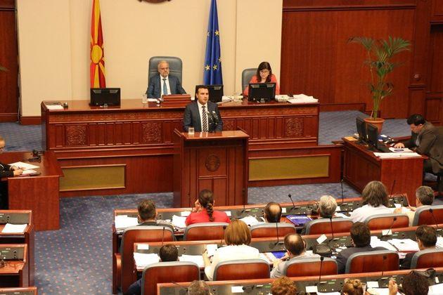 Τα Σκόπια ψηφίζουν και πάλι στη Βουλή τη συμφωνία των Πρεσπών. Τι θα κάνει αυτή τη φορά ο